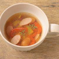 パプリカとウインナーのスープ