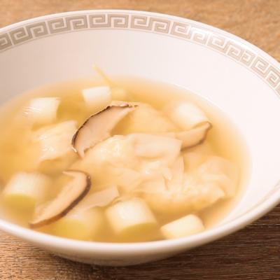 鶏ひき肉とタケノコのワンタンスープ