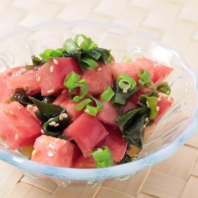 トマトとカニカマのさっぱり中華風サラダ