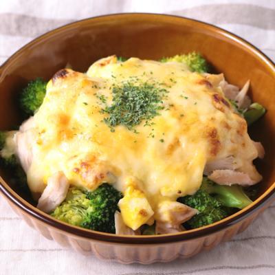 鶏ささみとブロッコリーのタルタルチーズ焼き