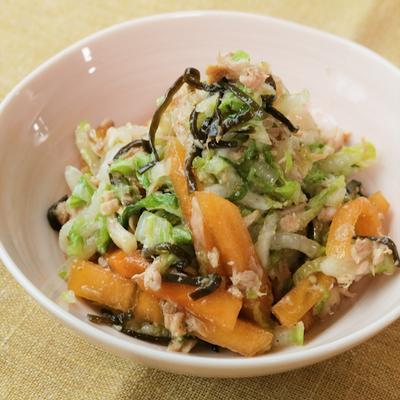 止まらなく美味しい 柿と白菜の塩昆布和え