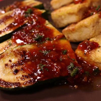 豆腐とズッキーニのステーキ
