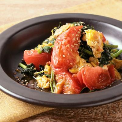 モロヘイヤとトマトの卵炒め