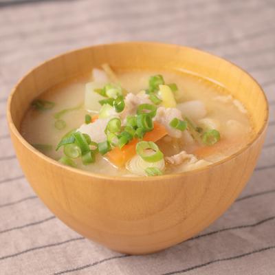 長芋とたっぷり生姜の具だくさん豚汁