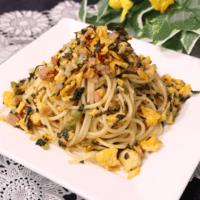 高菜ベーコンと炒り卵の和風パスタ