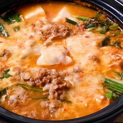 とろーりチーズのキムチ納豆発酵鍋