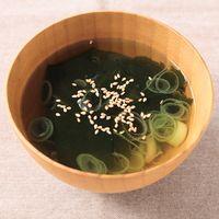 長ねぎとわかめの和風スープ