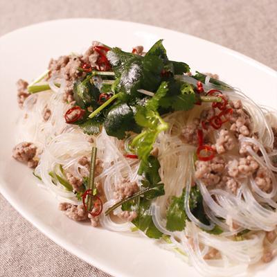 パクチー好き必見!タイ風春雨サラダ