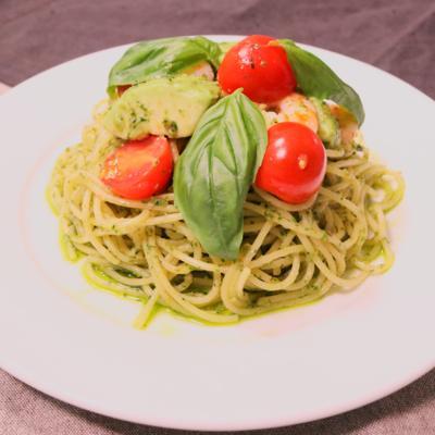 簡単!アボカドと海老のジェノベーゼスパゲティ