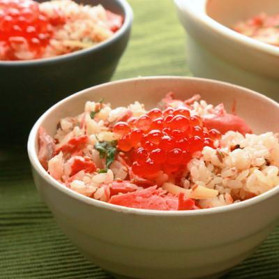 たっぷり生姜と鮭の土鍋ごはん