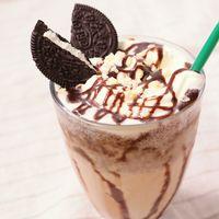 チョコソースたっぷり ココアクッキーシェイク