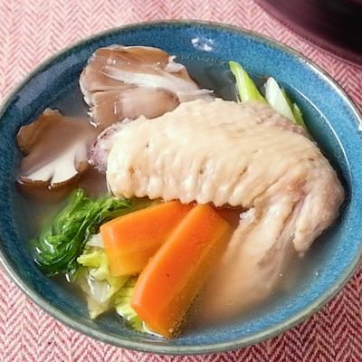 手羽先で簡単に作れる コク旨鶏白湯鍋