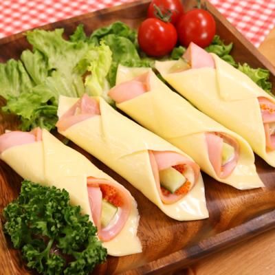 ちょっとした前菜にも!くるくるハムチーズ