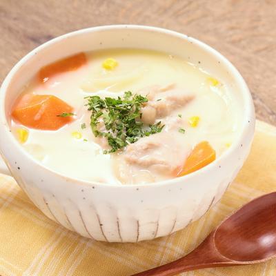 スープの素で簡単コーンクリームシチュー