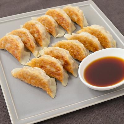 生姜ダレでさっぱり サバ餃子