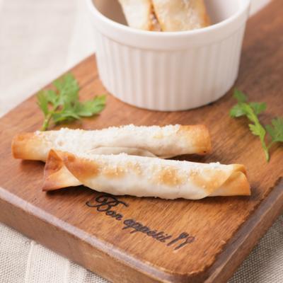 シガレット風ピーナッツバターの餃子の皮巻き