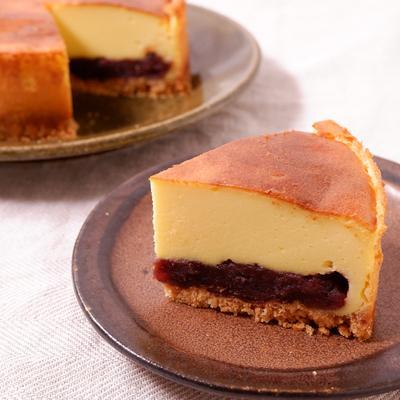 ずっしりあんこのベイクドチーズケーキ