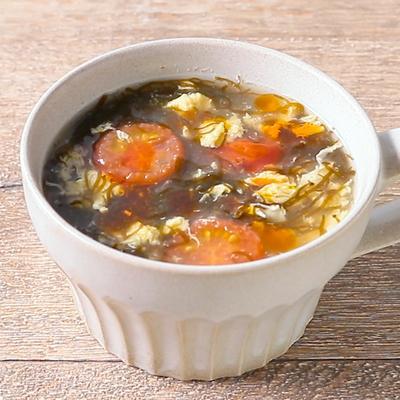 トマトともずくの卵スープ
