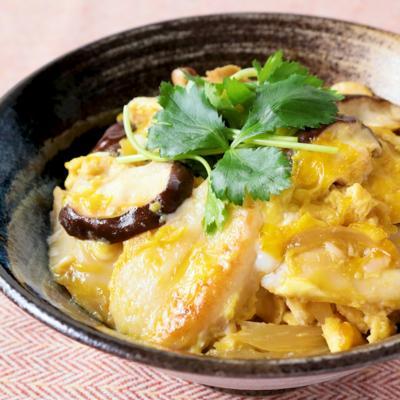 笹かまぼことしいたけのふんわり卵とじ丼
