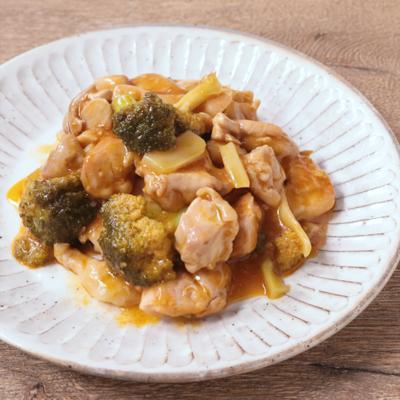 鶏もも肉とブロッコリーのチリソース炒め