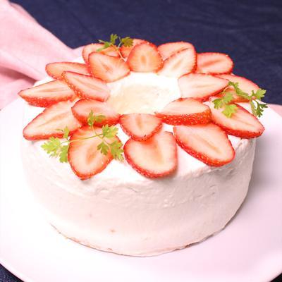 いちごの華やかマーブルシフォンケーキ