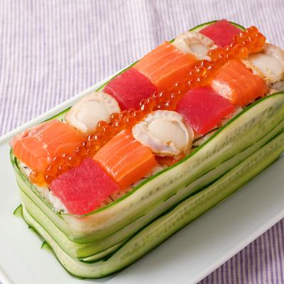 おもてなしにも 華やかバラ寿司