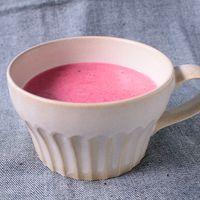 鮮やかピンク色 ビーツのポタージュスープ