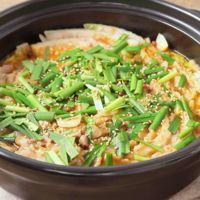 旨辛味噌のもつ鍋風 豚肉と白菜のミルフィーユ