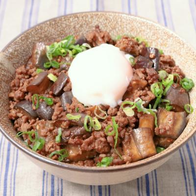 柔らかナスのピリ辛肉味噌丼