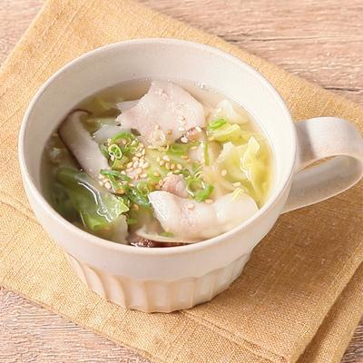 キャベツと豚バラ肉の中華スープ