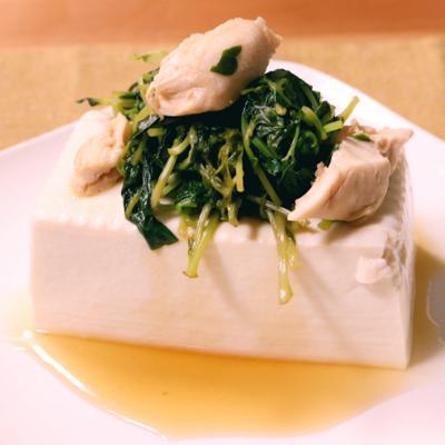レモンでさっぱり!豆苗とささみの豆腐のせ