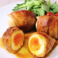 とろーり美味しい!肉巻き半熟卵