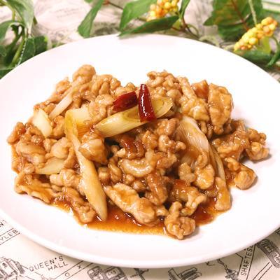 食材2つで美味しい!長ネギと豚肉の黒酢炒め