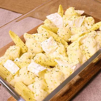 カリフラワーとカマンベールチーズのオーブン焼き