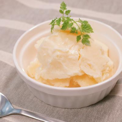材料4つ シンプルな牛乳アイス