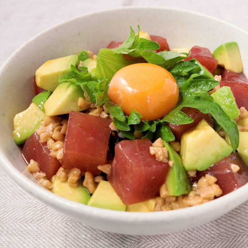 アボカド 丼 マグロ 栄養満点なアボカドとマグロを上手に取り入れ、健康と美を手にしよう!|mamagirl [ママガール]