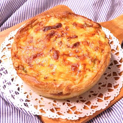 2種のチーズのジェノベーゼキッシュ