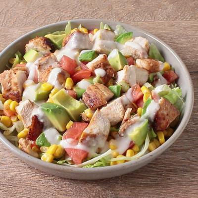 鶏むね肉でメキシコ風サラダ