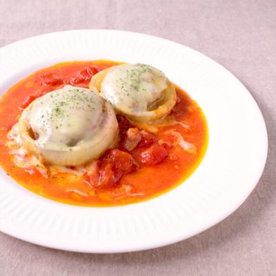 新玉ねぎの肉詰め チーズトマト煮込み