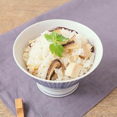 具材はシンプルなのに味は本格的!干ししいたけと鶏肉の炊き込みごはん