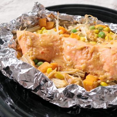 サーモンのピリ辛味噌バターホイル焼き