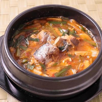 サバ缶でチゲ風春雨スープ