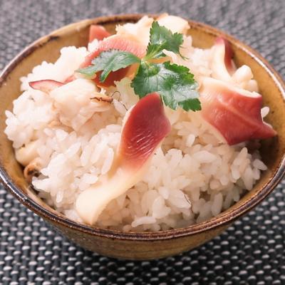 旨味あふれる ホッキ貝の炊き込みご飯