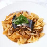 ファルファッレで秋刀魚のペペロンチーノ