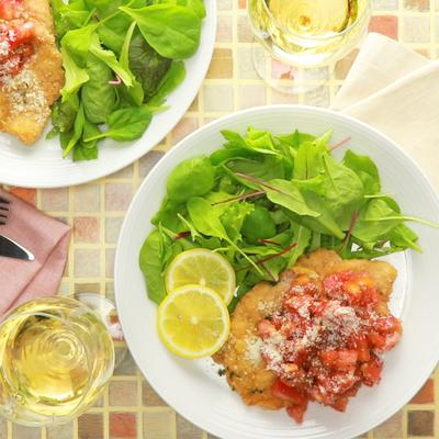 ミラノ風カツレツ トマトバジルソース