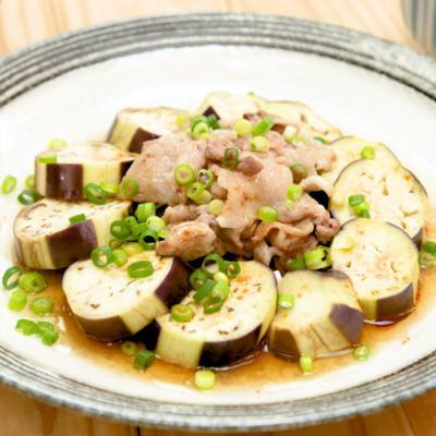 レンジで簡単 ナスと豚肉のピリ辛のっけ蒸し