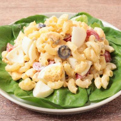 サラダ菜と卵のゴロゴロマカロニサラダ