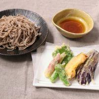 冷やしそばと野菜の天ぷら盛り合わせ