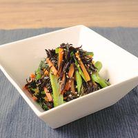 めんつゆで簡単 小松菜とひじきのごま炒め