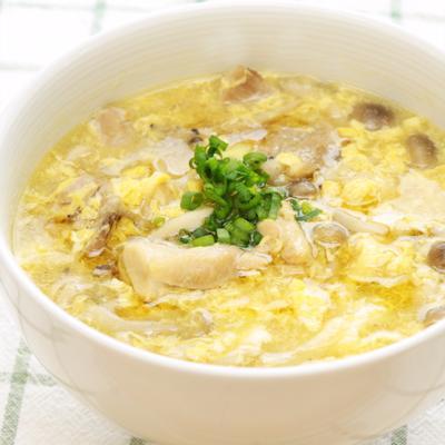鶏もも肉とキノコのとろとろ卵スープ煮